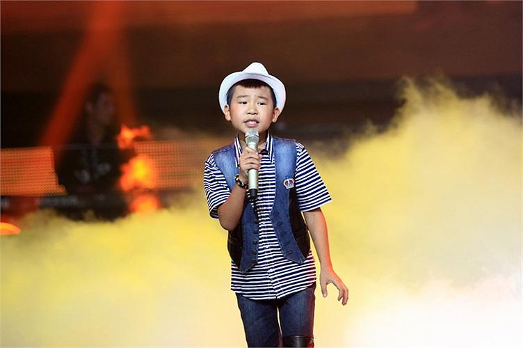 Quang Anh chọn cặp HLV Hồ Hoài Anh - Lưu Hương Giang