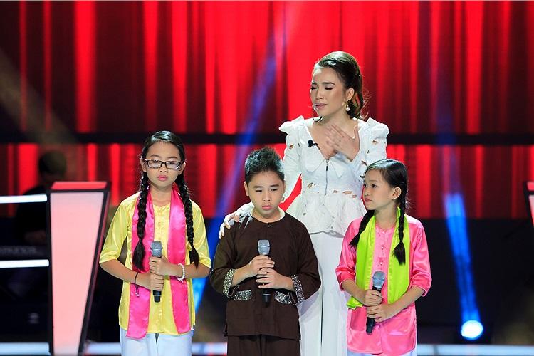 Chọn Phương Mỹ Chi tiếp tục vào vòng trong, Hiền Thục bày tỏ tự hào về 3 thí sinh:  'Các con đã làm cho tất cả mọi người ở đây đều tự hào vì mình là người Việt Nam, mình hát nhạc Việt Nam'.