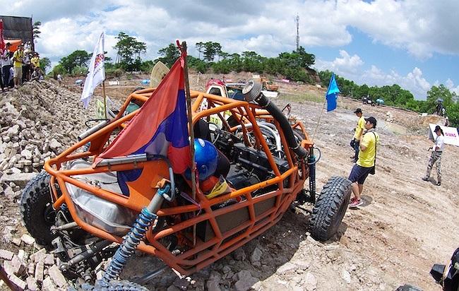 Trên đường đua không chỉ cần xe tốt mà còn cần tay đua có kỹ thuật, phụ lái phải phối hợp tốt.(Ảnh: TTVH)