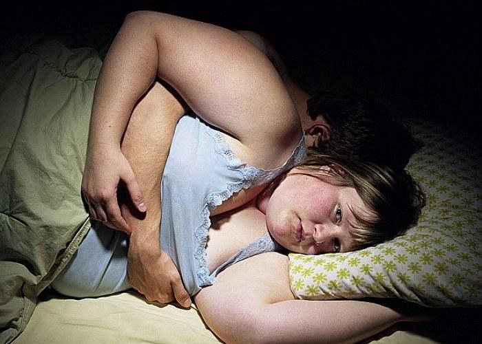 Jen Davis, 35 tuổi, một nữ nhiếp ảnh mắc chứng bệnh béo phì, cho biết rằng bộ ảnh chị chụp sau đây đã giúp chị giảm đến 50 ký.