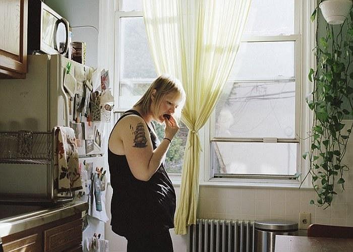 Bức ảnh này chụp cảnh chị đang trong chế độ giảm cân, chị chỉ ăn những thức ăn nhỏ và ít béo.