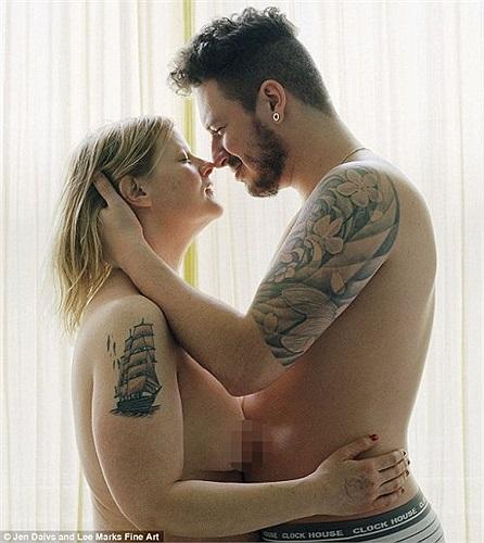 Với cơ thể gọn gàng hơn trước, nữ nhiếp ảnh Davis đã dần xua đi mặc cảm và bắt đầu công cuộc hẹn hò.
