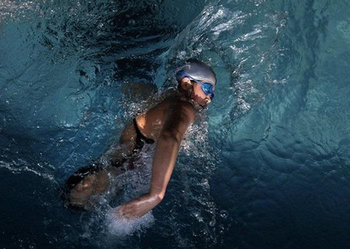 Cảm giác thật thoái mái và thư giãn khi bơi lội, Hongyan cho biết.