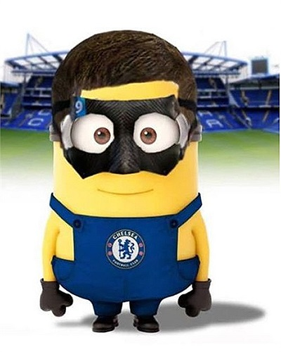 Torres với chiếc mặt na bảo vệ