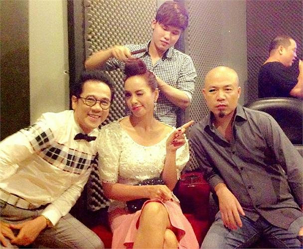 Bộ ba quyền lực của Got Talent nhí nhảnh xì tin ngay cả khi trang điểm. Ảnh trên FB của NSUT Thành Lộc.