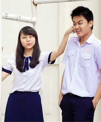 Nét tinh nghịch đáng yêu của teen Sài Thành trong đồng phục trường.