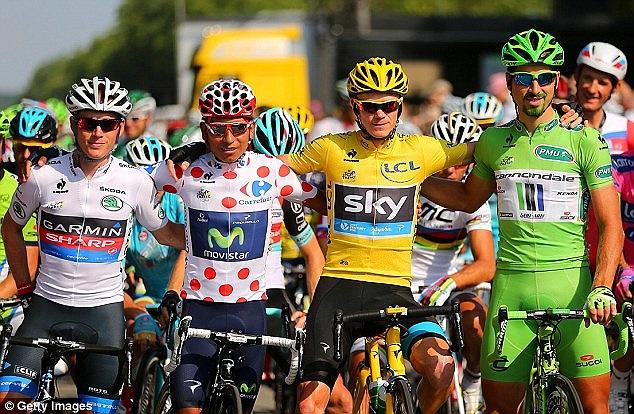 Chris Froome giành áo vàng chung cuộc tại chặng đua Tour de France lần thứ 100.
