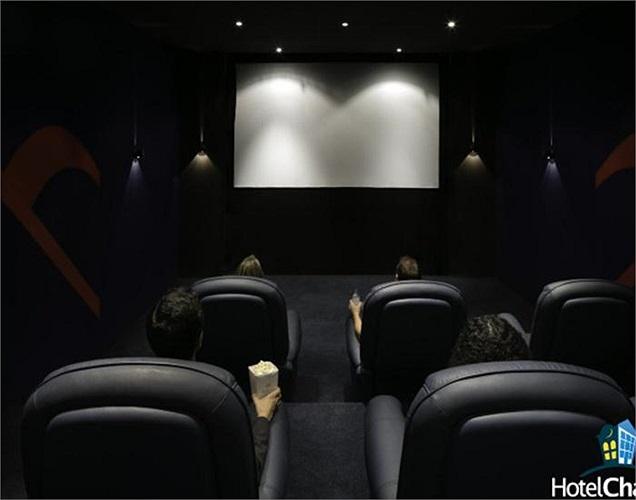 Rạp chiếu phim mini có sức chứa 9 người.