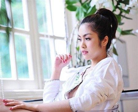 Lộ vòng một trong một tấm ảnh thời trang có lẽ là scandal lớn nhất trong sự nghiệp của Tăng Thanh Hà tính đến thời điểm này. Tưởng chừng từ sau đó cô sẽ cực kỳ cẩn trọng.