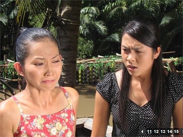 Năm 2004, Tăng Thanh Hà tham gia bộ phim đầu tay mang tên 'Dốc tình' với một  vai diễn nhỏ.