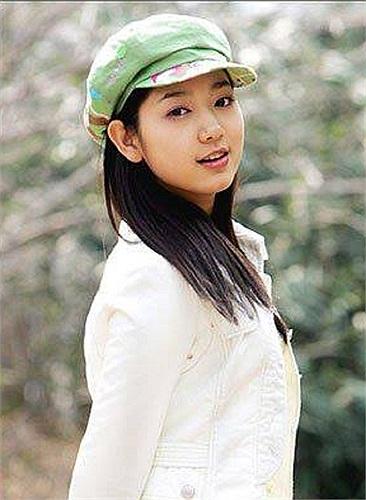 Nữ thần gợi cảm Park Shin Hye khoe ảnh mộc thời niên thiếu.