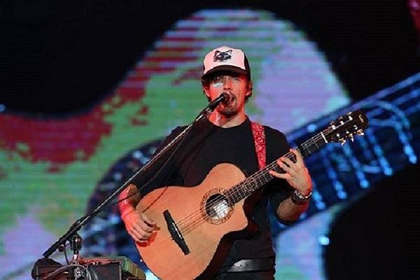 Nam nghệ sỹ Jackson Mraz phiêu tại lễ hội âm nhạc lớn nhất xứ Chùa vàng mang tên Sonic Bang diễn ra vào ngày 24/8 mới đây.