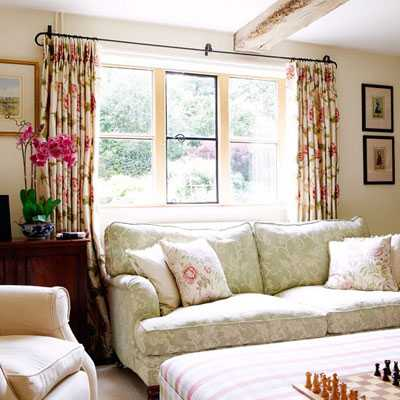 Thay áo cho sofa đón nắng hè rực rỡ