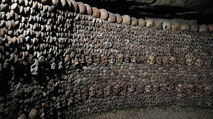 Những địa điểm chứa hài cốt cũng bắt đầu được quy hoạch nhằm giải tỏa bớt những khu nghĩa trang đang dần quá tải trên mặt đất.