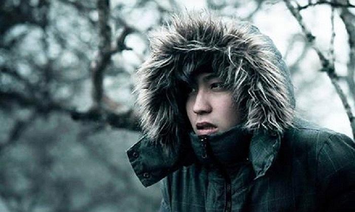 Hotboy Bê Trần thèm cái giá lạnh trong tiết trời nóng nực ở Hà Nội.