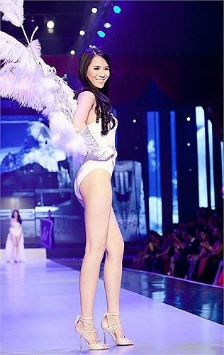 Vốn rất ngưỡng mộ show diễn của Victoria Secret, nên Khắc Tiệp 'sao chép' khá nhiều ý tưởng của show diễn đình đám này vào Đêm hội chân dài 7.