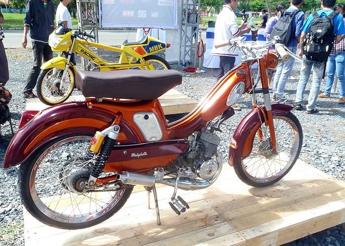 Ngoài những siêu môtô cực khủng, các tín đồ yêu xe còn có cơ hội ngắm những chiếc xe máy cổ hơn 70 năm tuổi hay những chiếc xe độ độc đáo.