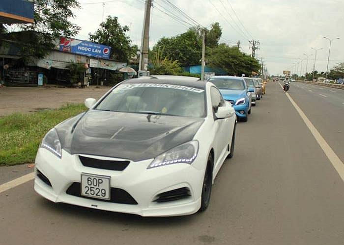 Ngày hội xe phân khối lớn chưa kịp hạ nhiệt giới mê xe đã lại có thêm cơ hội ngắm xe khủng trong chương trình diễu hành toàn siêu xe và xe độ mang tên Caravan Passion tại Vũng Tàu.