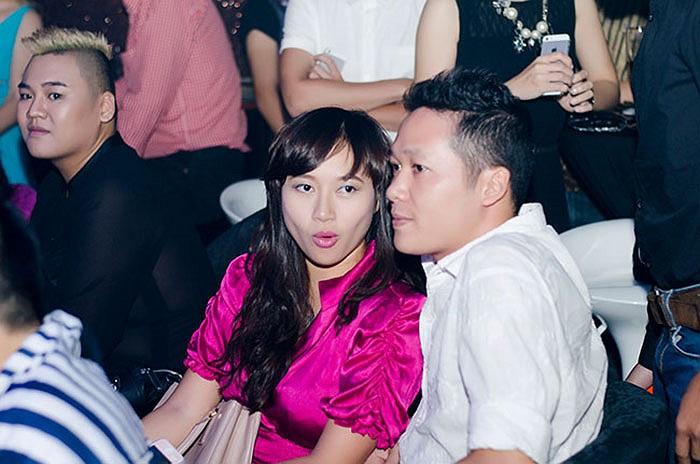 Khánh Linh có vẻ gày đi.