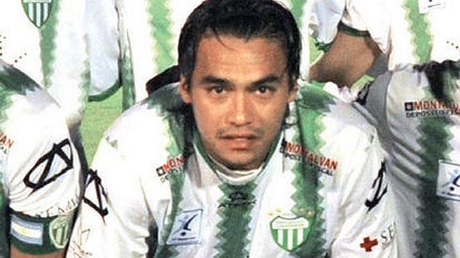 Hector Sanabria cầu thủ của Deportivo Laferrere, đội bóng đang thi đấu tại giải hạng Tư Argentina mới đây đã đột tử trên sân.