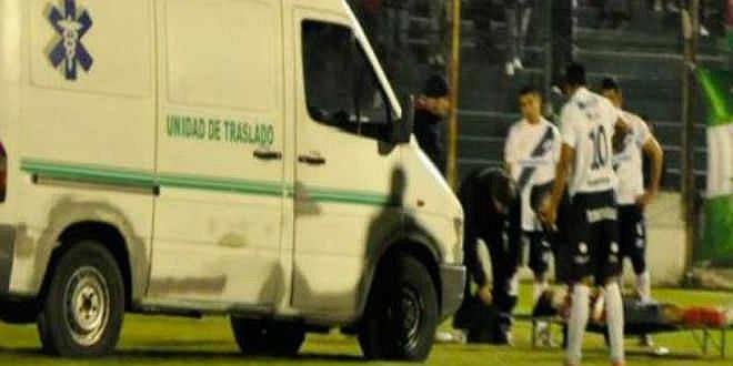 Sanabria đã ngã gục ở phút thứ 29 của trận đấu giữa Deportivo Laferrere và General Lamadrid.