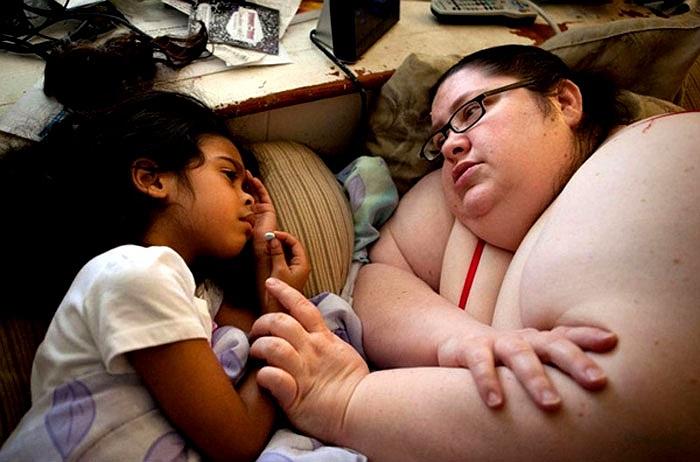 Thời gian là thứ rất hiếm với chị nên khi đã lo xong hết công việc là tranh thủ từng phút để chơi với con gái Jacqueline yêu quí.