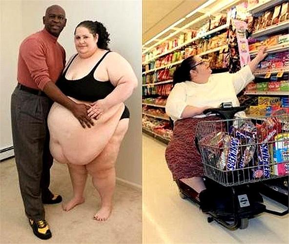 Ảnh bên trái là Donna Simpson cùng với chồng của chị. Bên phải là chị dùng xe điện đi siêu thị