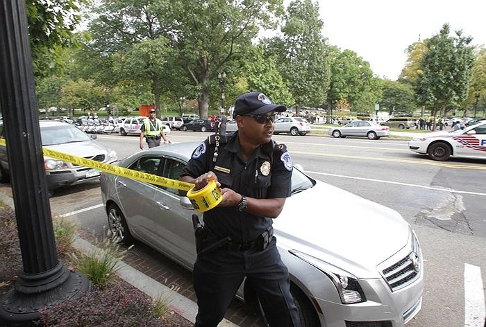 Cảnh sát chăng dây phong tỏa hiện trường