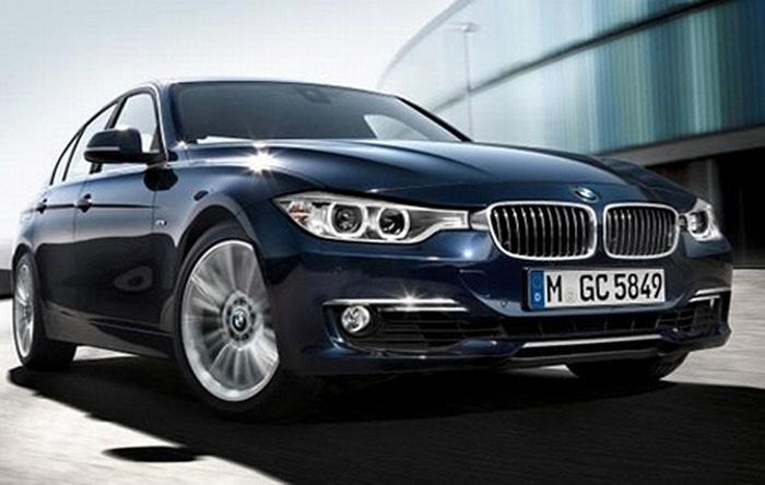 BMW 3-Series(Doanh số tiêu thụ: 20.662 chiếc): Chiếc xe đầu tiên thuộc dòng xe sang này của hãng BMW ra đời năm 1974 và đến nay dòng xe đã sang thế hệ thứ 6. Đây là dòng xe bán chạy nhất của BMW và đã đoạt nhiều giải thưởng qua các năm.