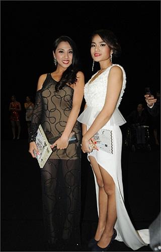 Ca sĩ Phương Trang và Duyên Anh Idol.