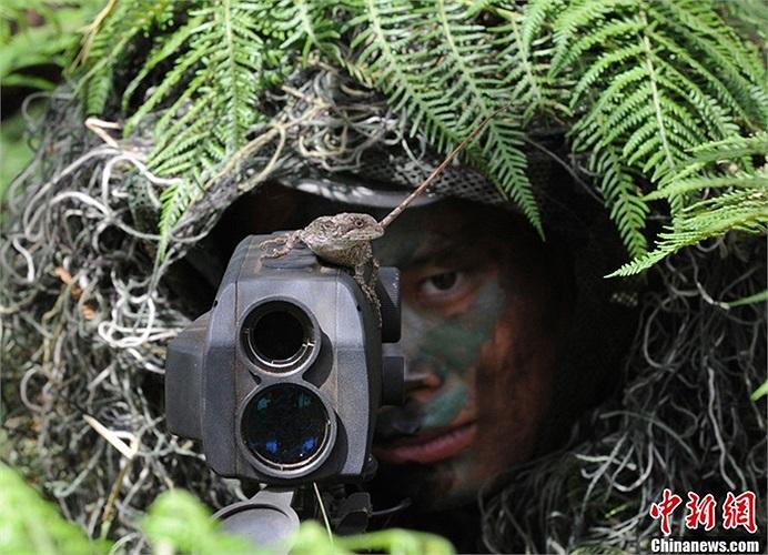 Một binh lính bắn tỉa Trung Quốc