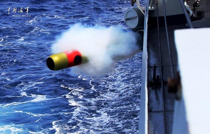 Tàu chiến của hải quân Trung Quốc thực hiện nhiều bài tập chống tàu ngầm