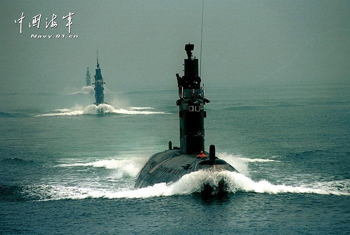 Loạt ảnh các tàu ngầm chủ lực của Trung Quốc di chuyển trên Biển Đông được hãng tin Tân Hoa Xã đăng tải hôm 7/10