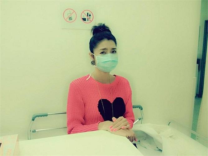 Ngọc Quyên miệt mài làm việc đến quên cả sức khỏe, phải vào viện khám.