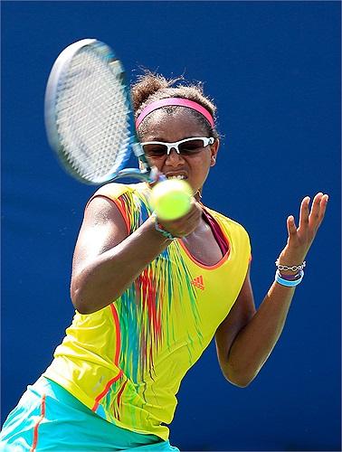 Sóng gió cuộc đời vẫn chưa dừng ở đó, nó tiếp tục làm chao đảo Duval tưởng như cô phải giã từ niềm đam mê quần vợt.