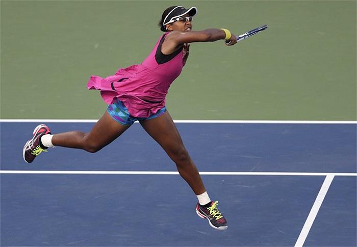 Bằng lối chơi đầy nhiệt huyết, Victoria Duval đã có cuộc lội ngược dòng ngoạn mục trước tay vợt đàn chị Stosur