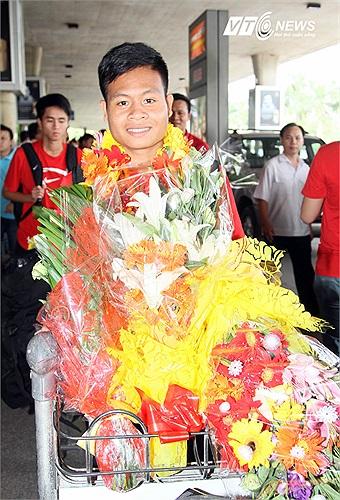 Hậu vệ Ksor Úc. Anh là cầu thủ được bổ sung sau khi U19 Việt Nam dự giải U19 Đông Nam Á trở về. Ở vòng loại U19 châu Á, hậu vệ người dân tộc Gia Rai đã được vào sân trận gặp U19 Đài Loan.