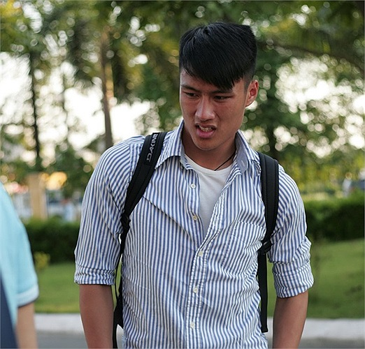 Cầu thủ Việt kiều Mạc Hồng Quân có mặt 'điểm danh' lúc 3 giờ chiều.