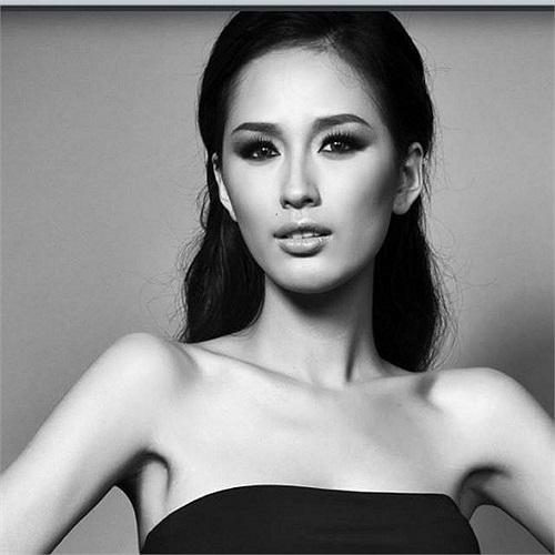 Mai Phương Thúy cập nhật ảnh đại diện, một bức hình khá sắc sảo nhưng lộ thân hình cò hương của hoa hậu.