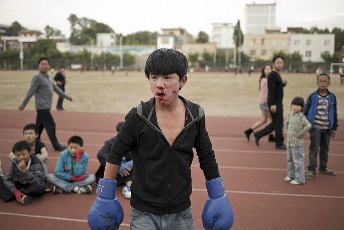 Bắt đầu luyện tập từ năm 5-6 tuổi, những VĐV nhí Trung Quốc thường xuyên gặp cảnh đổ máu khi luyện tập.