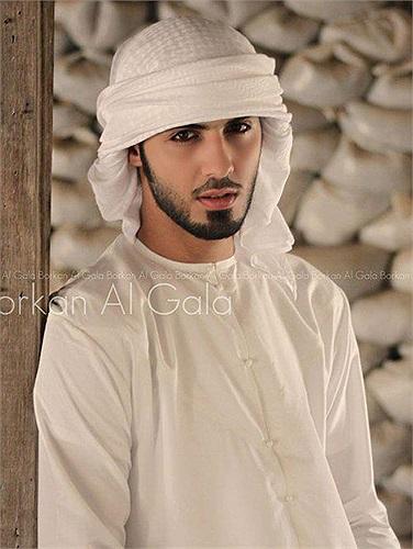 Tuy nhiên, trong 1 bài phỏng vấn với tạp chí Who của Mexico mới đây, chàng trai đẹp trai bị trục xuất cuối cùng đã thừa nhận lý do thực sự anh bị trục xuất khỏi lễ hội Ả Rập vì đã đi vào khu vực cấm.