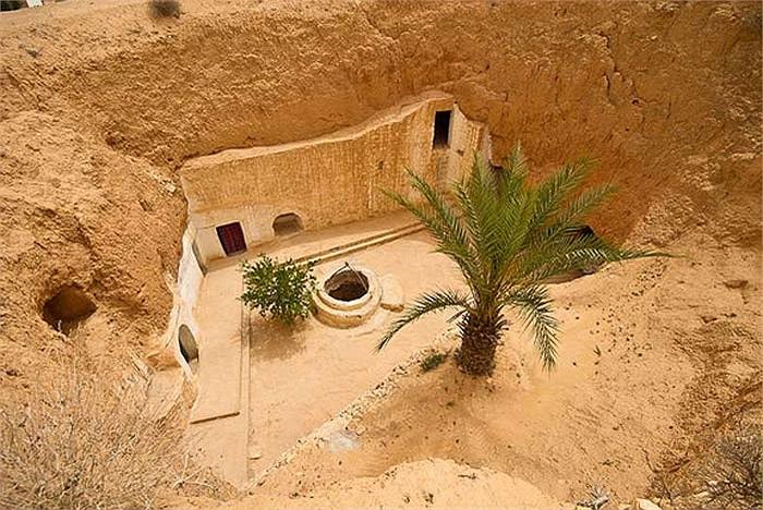Đất nước Tunisia cũng có một ngôi làng trong lòng đất, nơi từng được chọn để quay nhiều cảnh trong loạt phim nổi tiếng Star War.