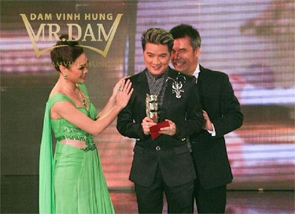 Từ giải HTV Award, Zing music đến Mai Vàng, Đàm Vĩnh Hưng sở hữu trong tay khá nhiều giải thưởng.