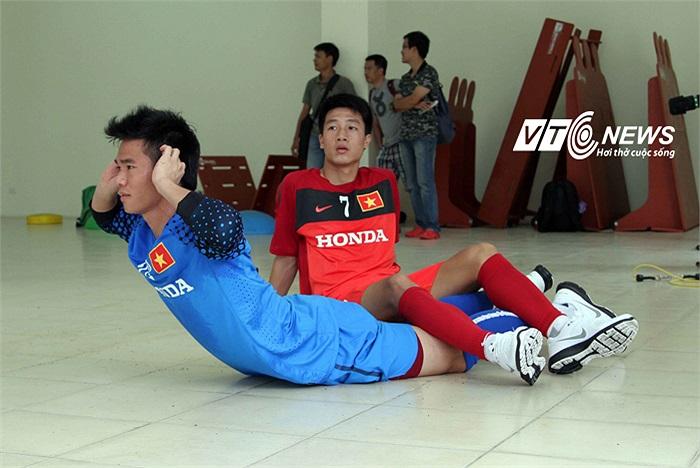 Thủ thành Nguyên Mạnh cũng được coi là một thủ môn trẻ đầy triển vọng.
