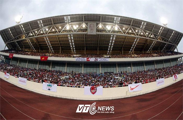Có khoảng 2 vạn khán giả tới Mỹ Đình xem buổi tập chiều qua của Arsenal.