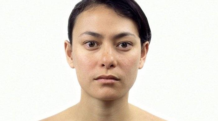Lớn hơn chút nữa, khuôn mặt của Danielle đã có một chút thay đổi nhỏ nhưng không đáng kể.