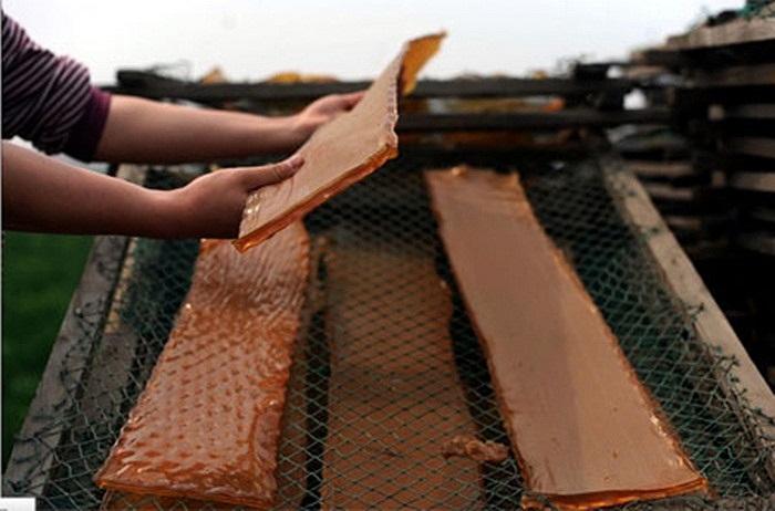 Những tấm gelatine được chế biến ra từ các loại nguyên liệu cáu bẩn, thừa thối