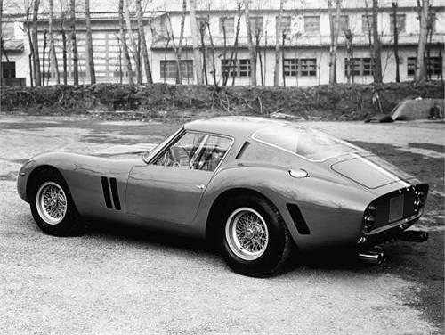 Ferrari 250 GTO trở thành mẫu xe cổ được thèm muốn và có giá cắt cổ nhất.