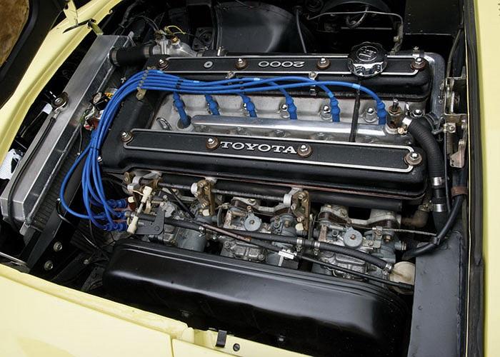 Xe được trang bị động cơ 150  mã lực, dung tích 2.0 lít, 6 xy lanh thẳng hàng đi kèm hộp số sàn 5 cấp.