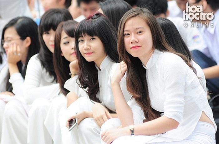 Những nữ sinh xinh đẹp trường THPT Chu Văn An